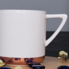 big ceramic mug with rose gold bottom